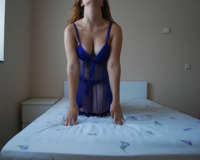 Ruivinha espetacular pelada no quarto (12)