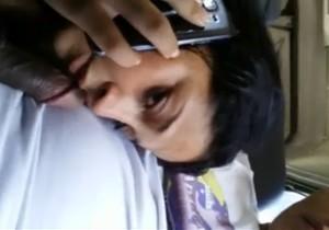 Falando no celular com o marido  enquanto chupa o amante - http://www.naoconto.com