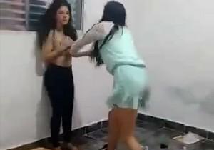 Pegou a amante e deixou ela pelada - http://www.naoconto.com