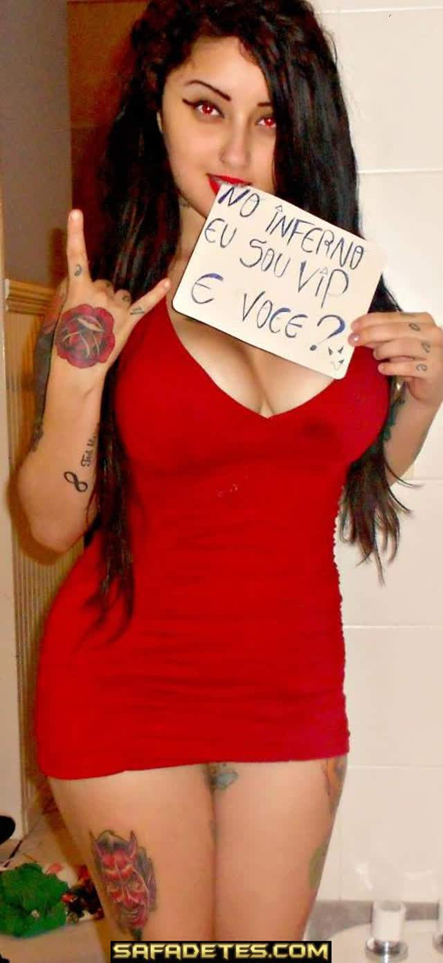 Debbi Delacort, Rockeira bem gostosa toda tatuada caiu na net 28