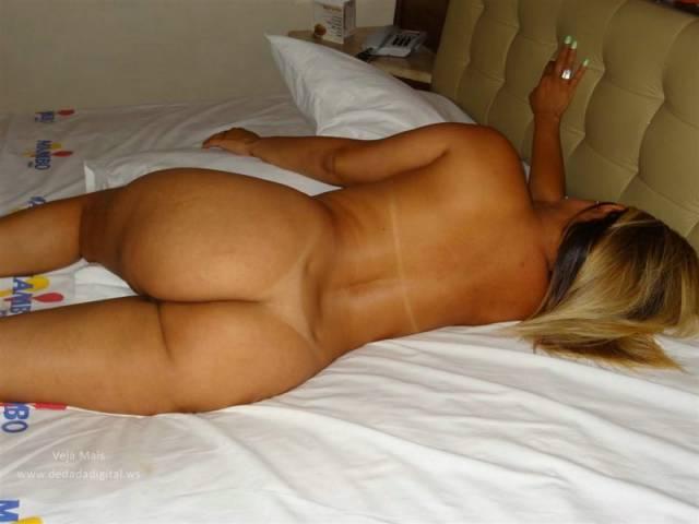 Um dia no motel com uma loiraça cavala 8