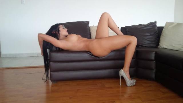 Aleira Avendaro, gostosa com 50 cm de cintura 39