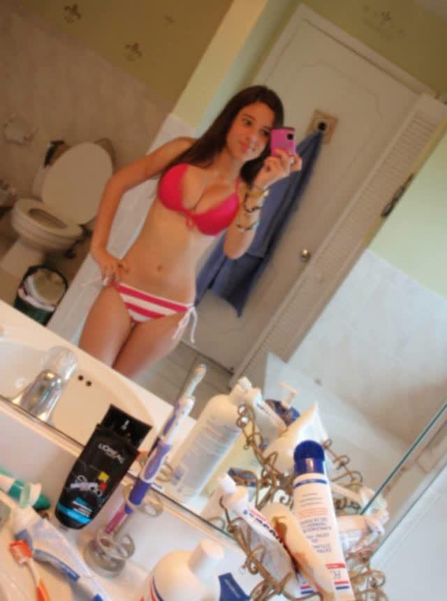 Angie Varona - A garota mais buscada do Google 12