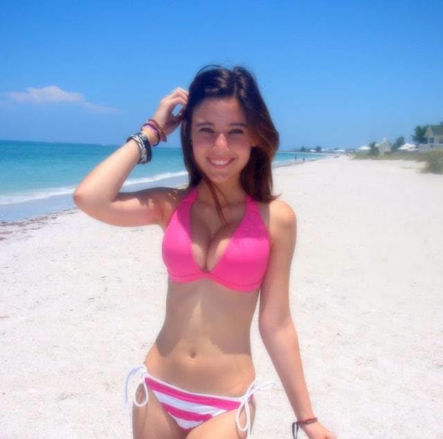 Angie Varona - A garota mais buscada do Google 19