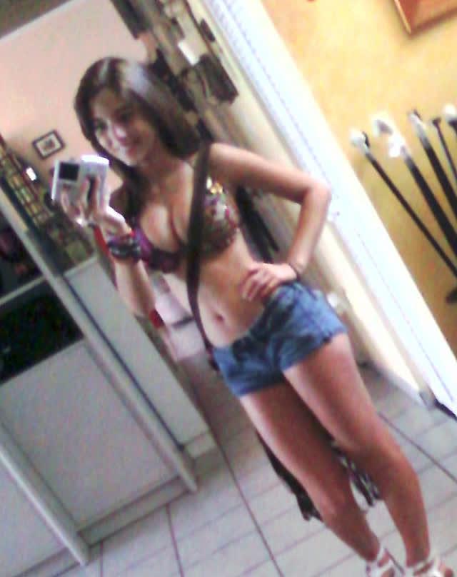 Angie Varona - A garota mais buscada do Google 43