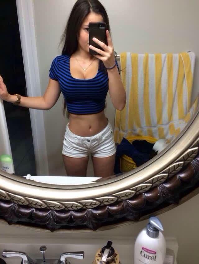 Angie Varona - A garota mais buscada do Google 55