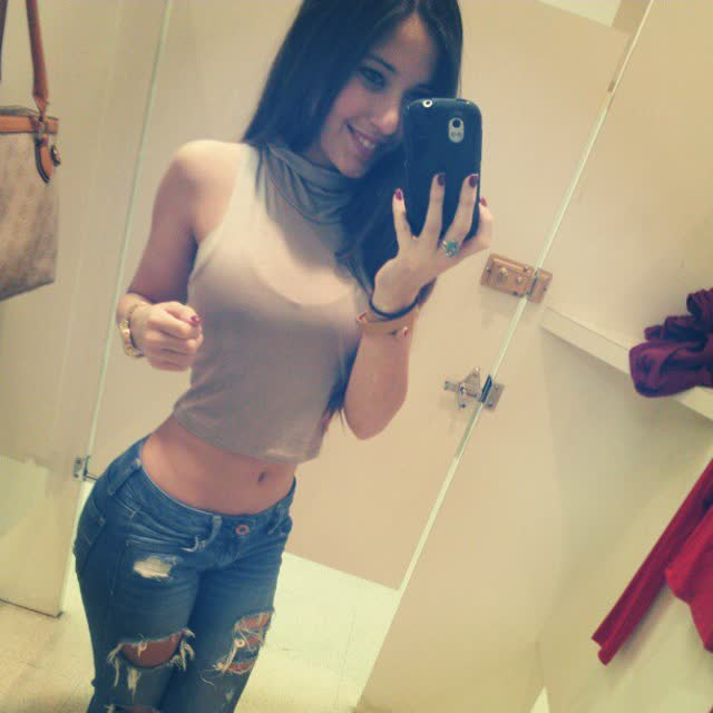 Angie Varona - A garota mais buscada do Google 56