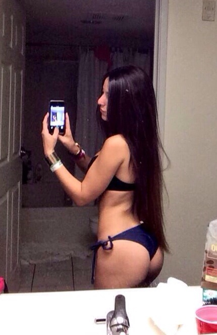 Angie Varona - A garota mais buscada do Google 61
