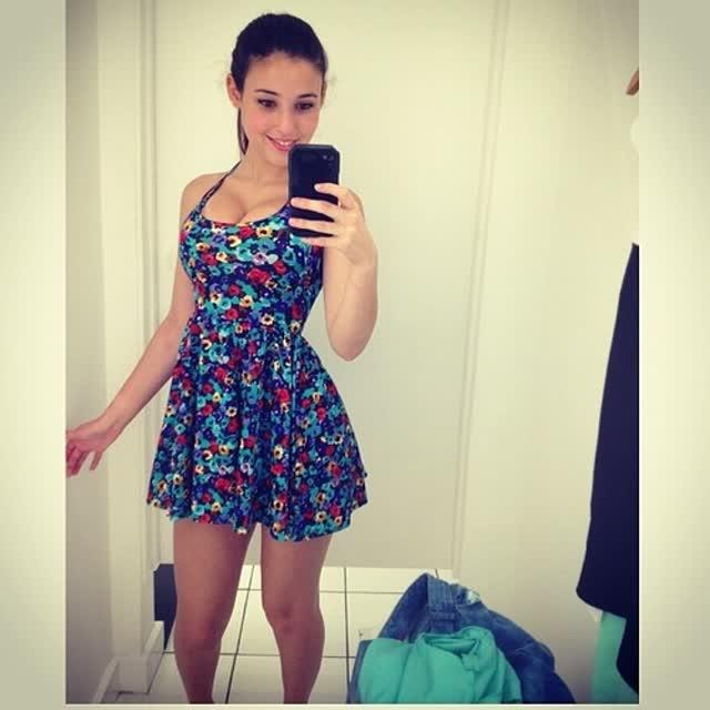 Angie Varona - A garota mais buscada do Google 71