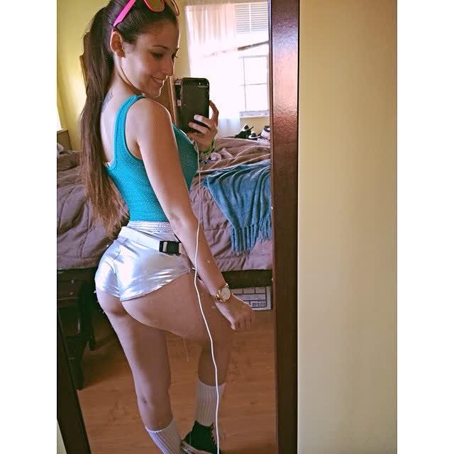 Angie Varona - A garota mais buscada do Google 72