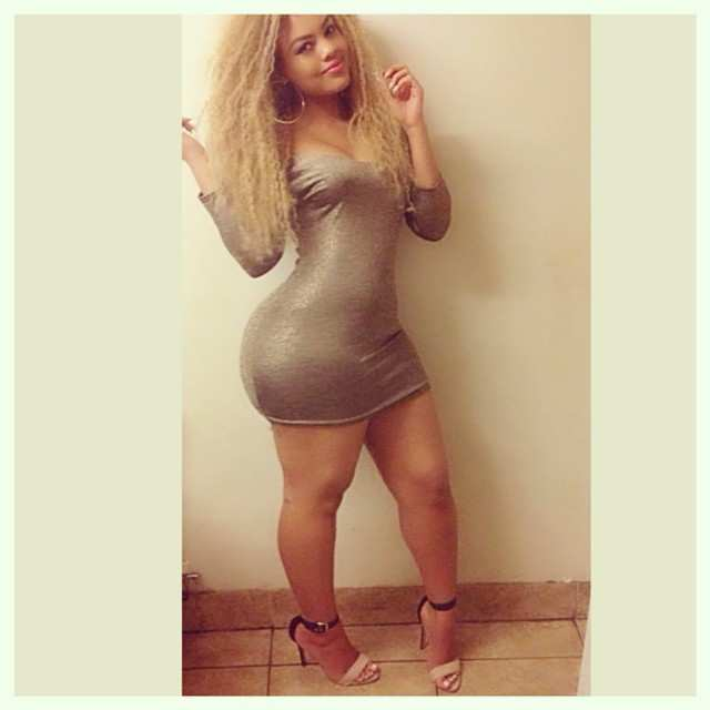 Arianna Angel nude, a menina da bunda enorme das redes sociais 15