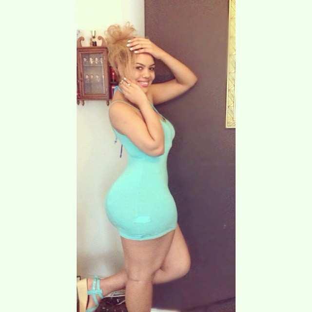 Arianna Angel nude, a menina da bunda enorme das redes sociais 27