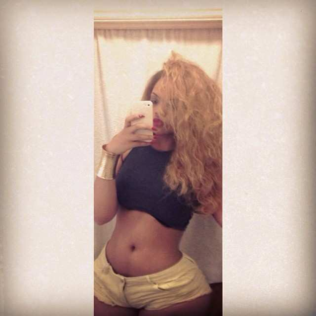 Arianna Angel nude, a menina da bunda enorme das redes sociais 35