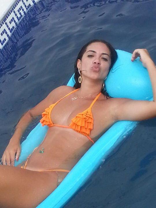 Gostosa-fotos-intimas-da-morena-peituda-que-vazaram-no-whatsapp-13