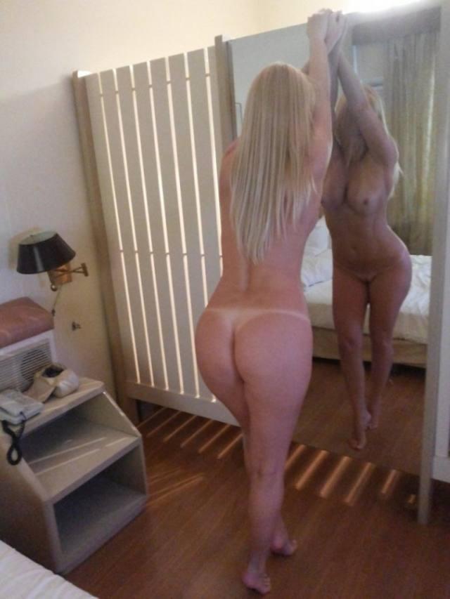 Paloma loiraça muito gostosona pelada no motel 3