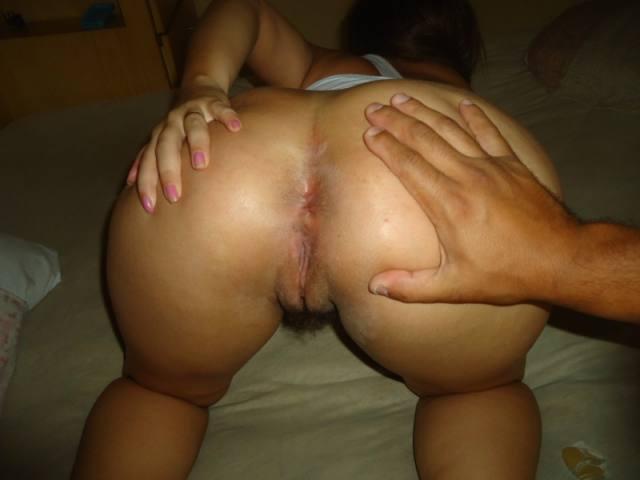Tirando fotos da esposa rabuda pelada e gostosa 15