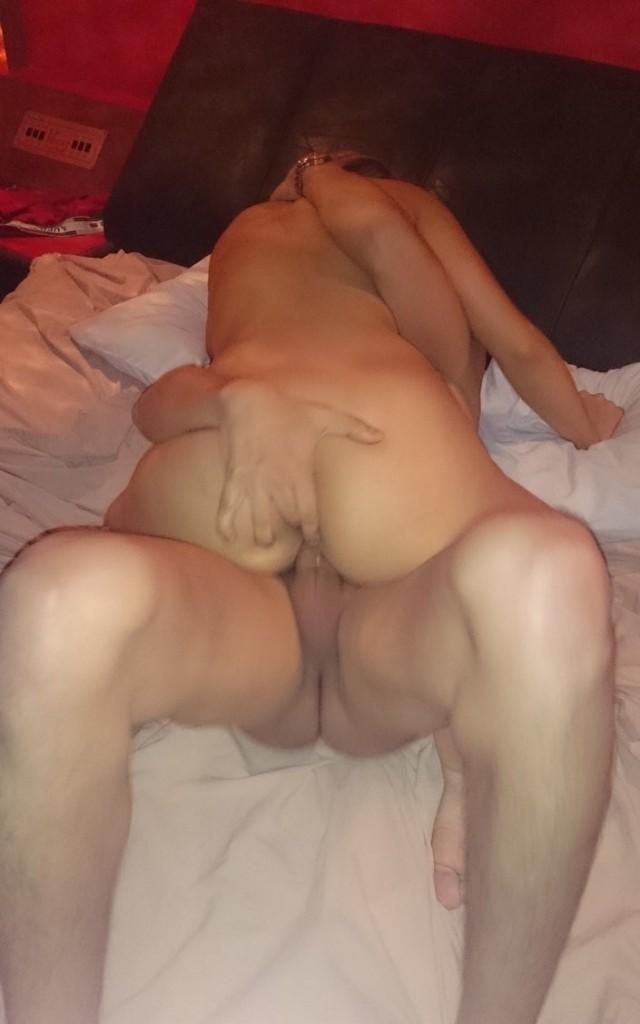 Cristiane, a loirinha gostosa motel pelada 10