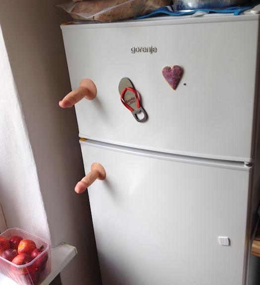 Reaproveitando brinquedos sexuais em casa 17