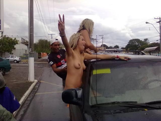 Safadas ficaram peladas pelas ruas de Uberlândia-MG 3