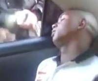 Dormiu no rolê com amigos e acordou de boca cheia