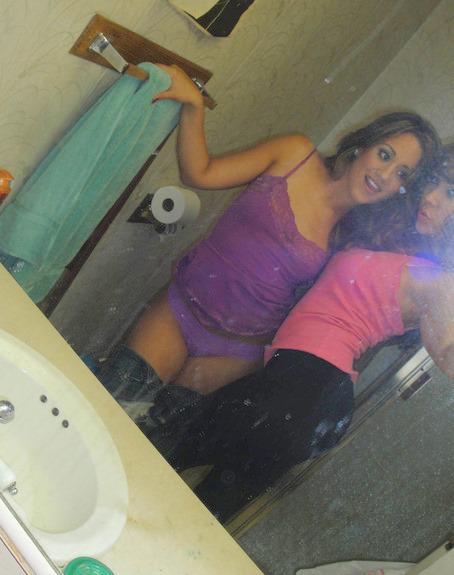 Amigas lesbicas safadinhas se pegando gostoso caiu na net 17