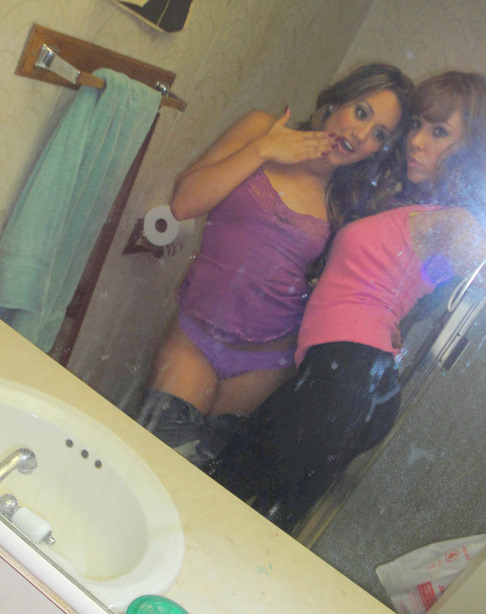 Amigas lesbicas safadinhas se pegando gostoso caiu na net 18