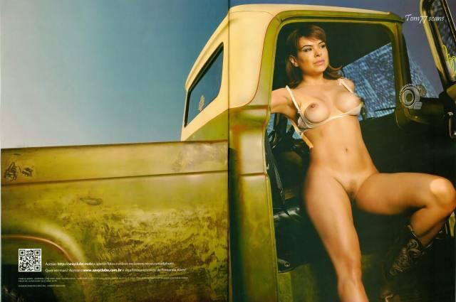 Jornalista Fernanda Alves nua pelada na Sexy de outubro 2015 15