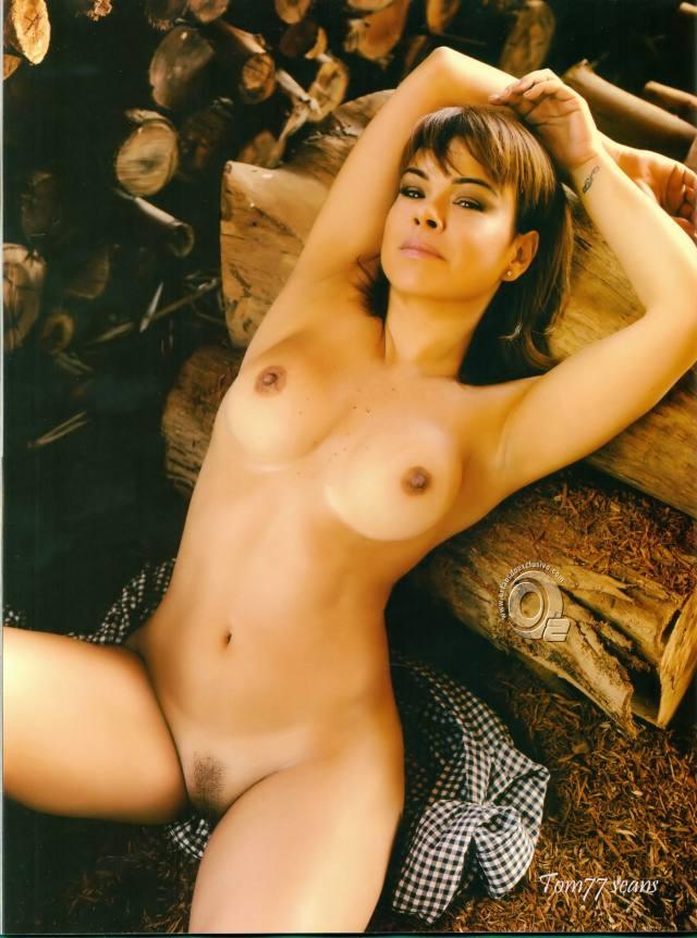 Jornalista Fernanda Alves nua pelada na Sexy de outubro 2015 16