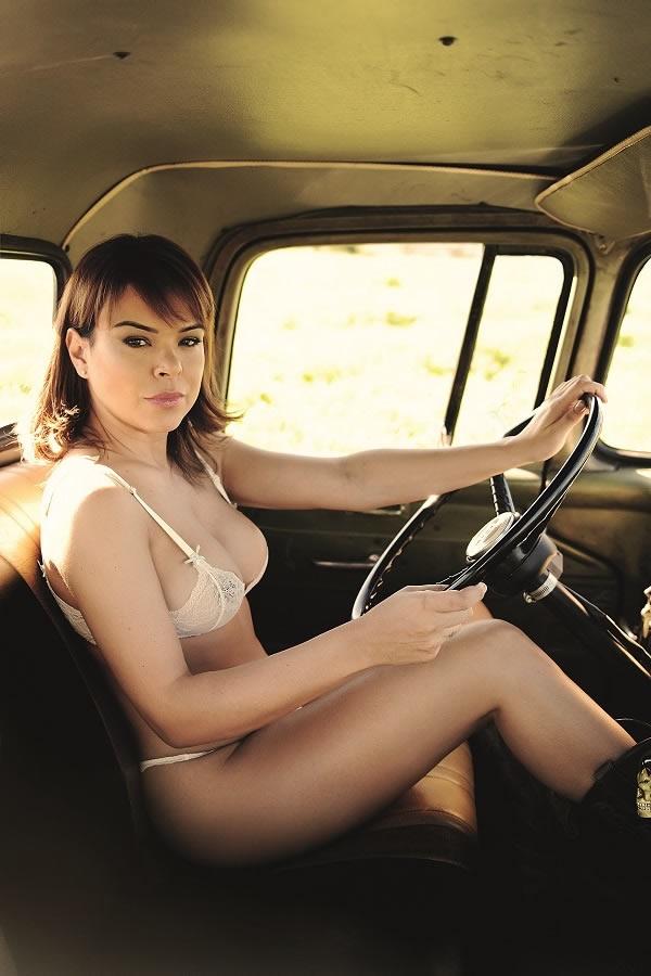 Jornalista Fernanda Alves nua pelada na Sexy de outubro 2015 2