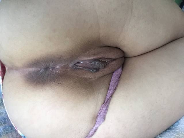 Morena muito gostosona gostosa mostrando sua pepeka buceta carnuda 14