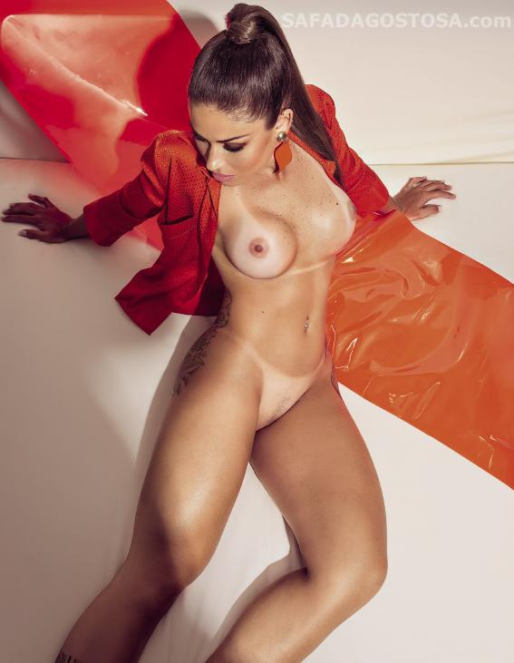 Rita Mattos pelada nua na playboy de setembro 2015 14