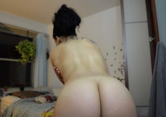 Peituda e rabuda gostosa em fotos intimas 16