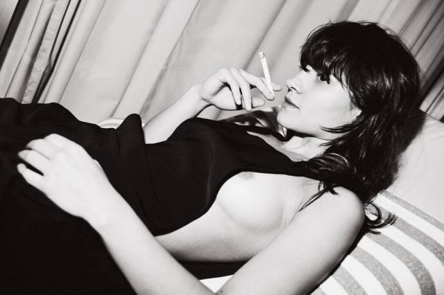 Atriz Bianca Comparato pelada em cenas de sexo 11