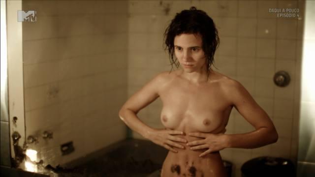 Atriz Bianca Comparato pelada em cenas de sexo 13