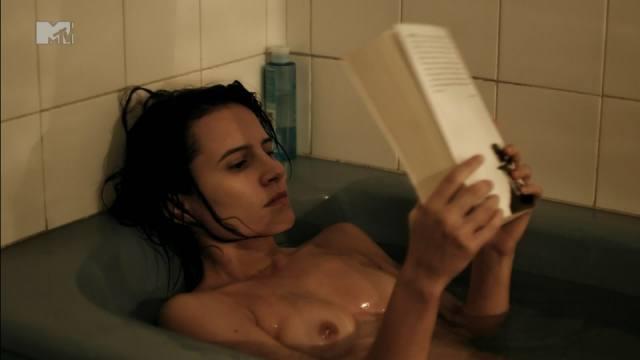 Atriz Bianca Comparato pelada em cenas de sexo 22