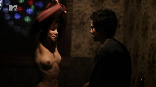 Atriz Bianca Comparato pelada em cenas de sexo 24