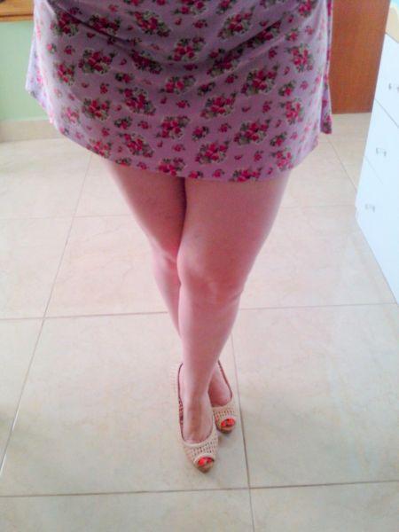 Caiu no whatsapp a bucetinha da casada gostosa de vestido 9