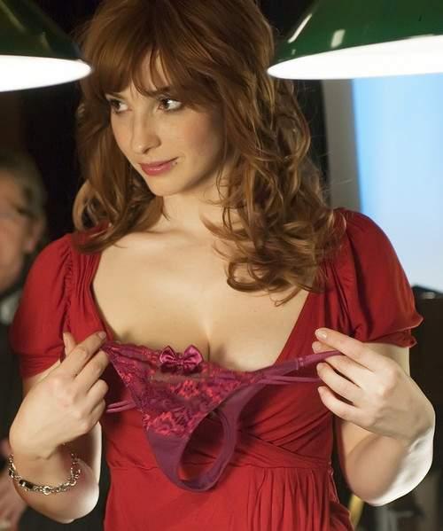 Com vocês, Eva Vica Kerekes a ruivinha mais gostosa do cinema 8