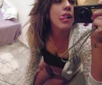 Andressa 23 aninhos peituda vazou na net em selfies peladas