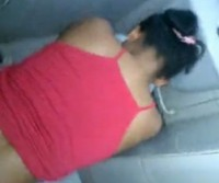 Enrabou a empregada no banheiro!