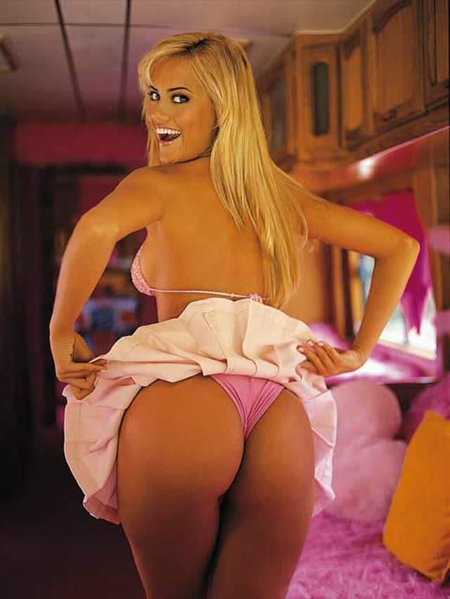 Ellen Rocche nua pelada para a revista Playboy 8