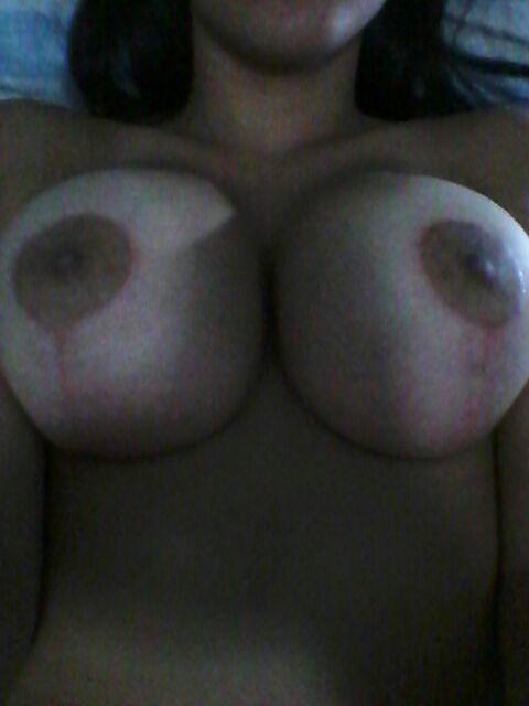 Foi mostrar os peitos novos com silicone caiu na net 4