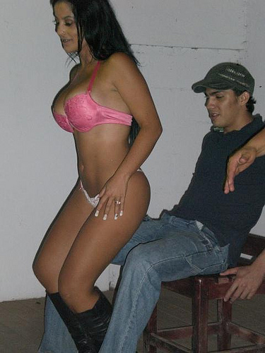 Karolina Brenes, modelo da Costa Rica tem video intimo vazado 2