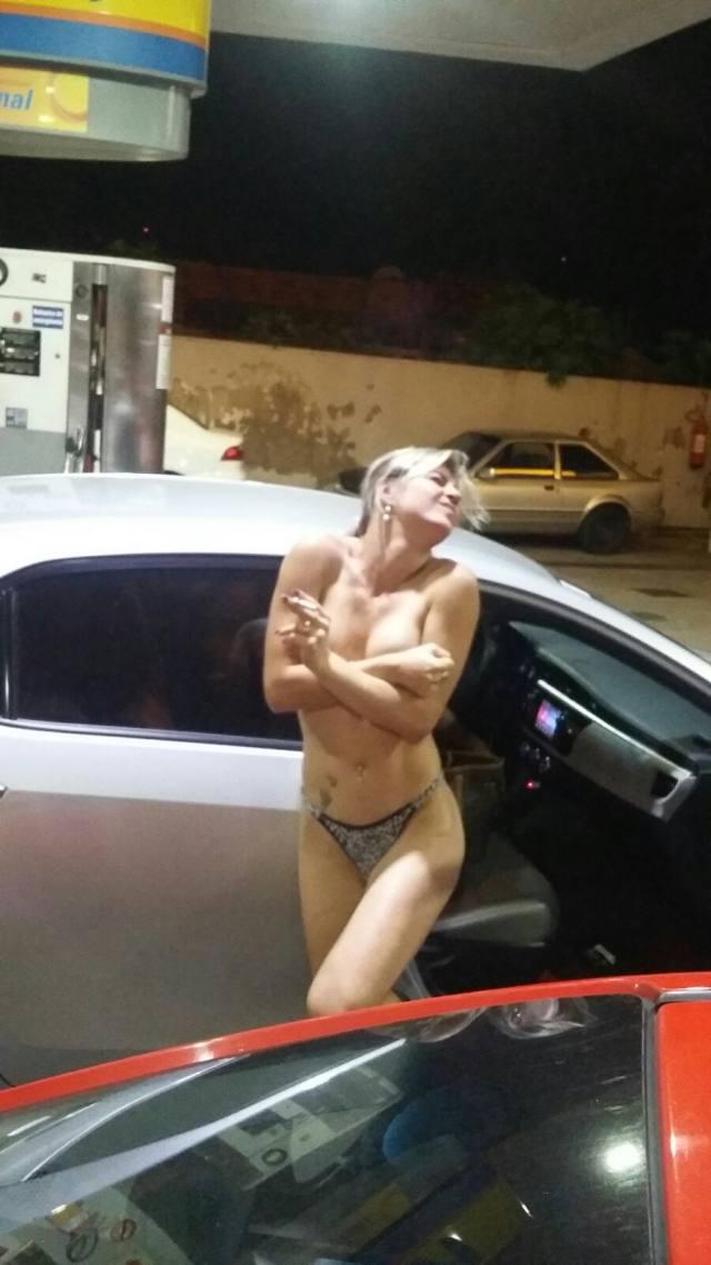 Loira gostosa pelada no posto de gasolina em vitória ES 1