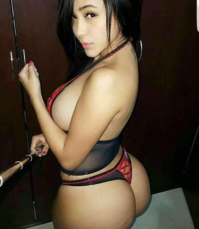 Alejandra Gil, uma morena rabuda espetacular 01