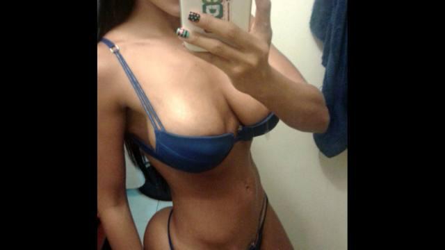Alejandra Gil, uma morena rabuda espetacular 05