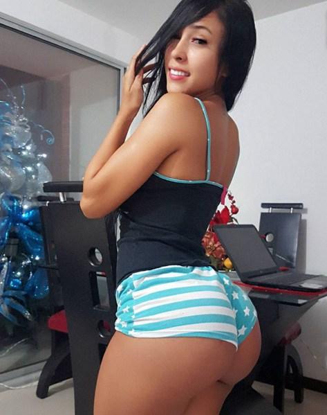 Alejandra Gil, uma morena rabuda espetacular 1