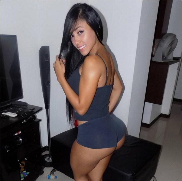 Alejandra Gil, uma morena rabuda espetacular 10