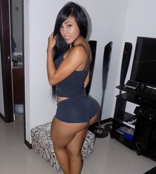 Alejandra Gil, uma morena rabuda espetacular 11