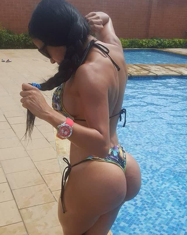 Alejandra Gil, uma morena rabuda espetacular 14
